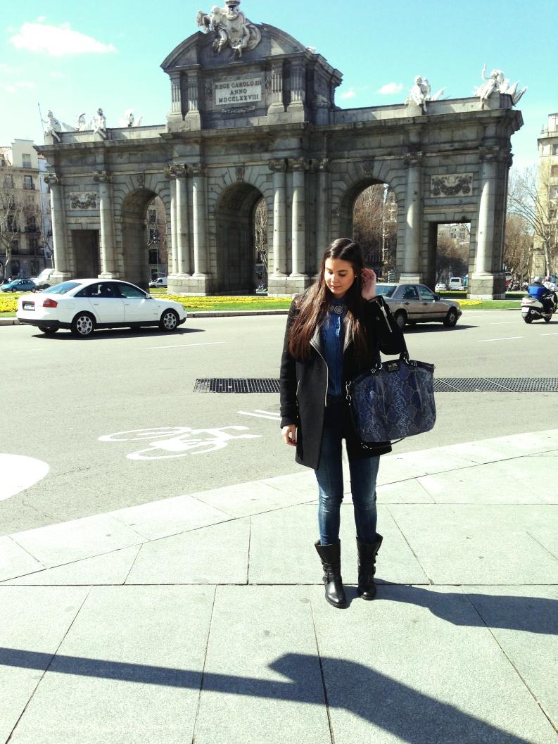 Coat: Zara Shirt: Zara Jeans: Zara Boots: Uterqüe Bag: Coach