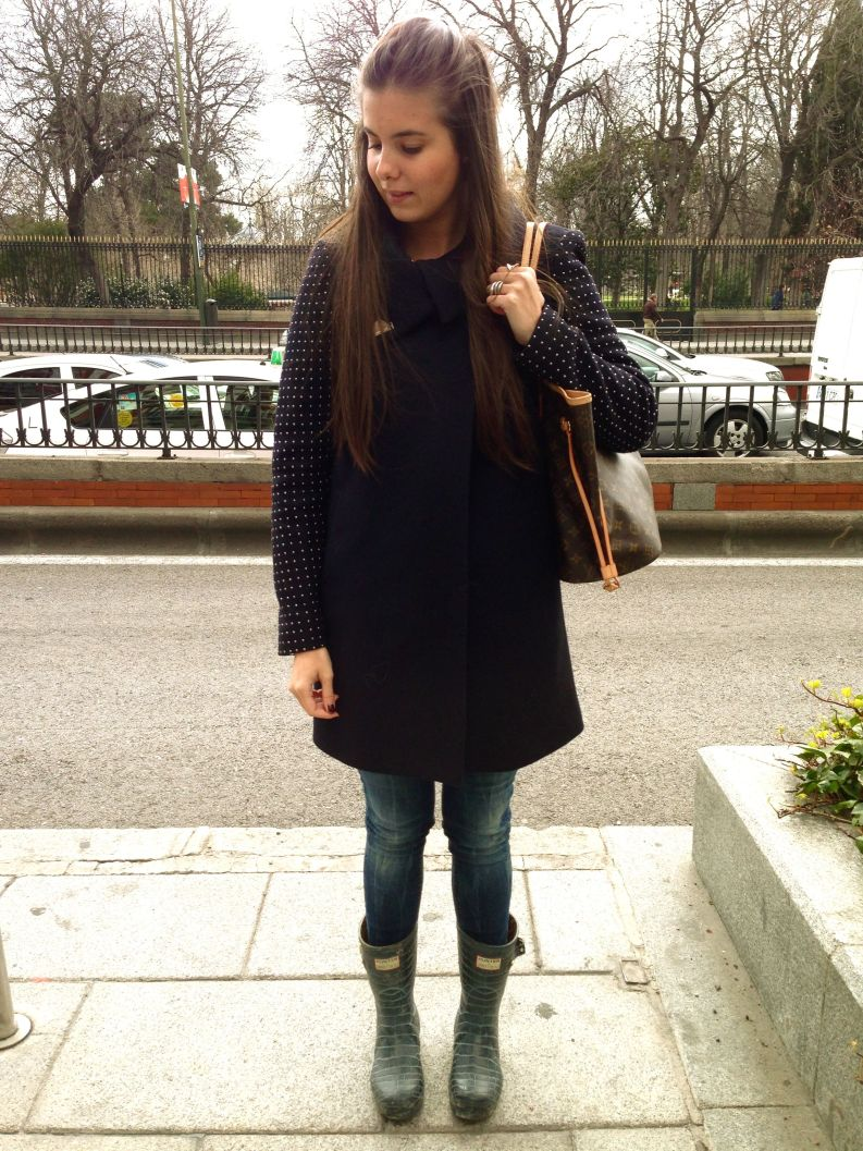 Bag: Louis Vuitton Jeans: Zara Coat: Zara Boots: Jimmy Choo